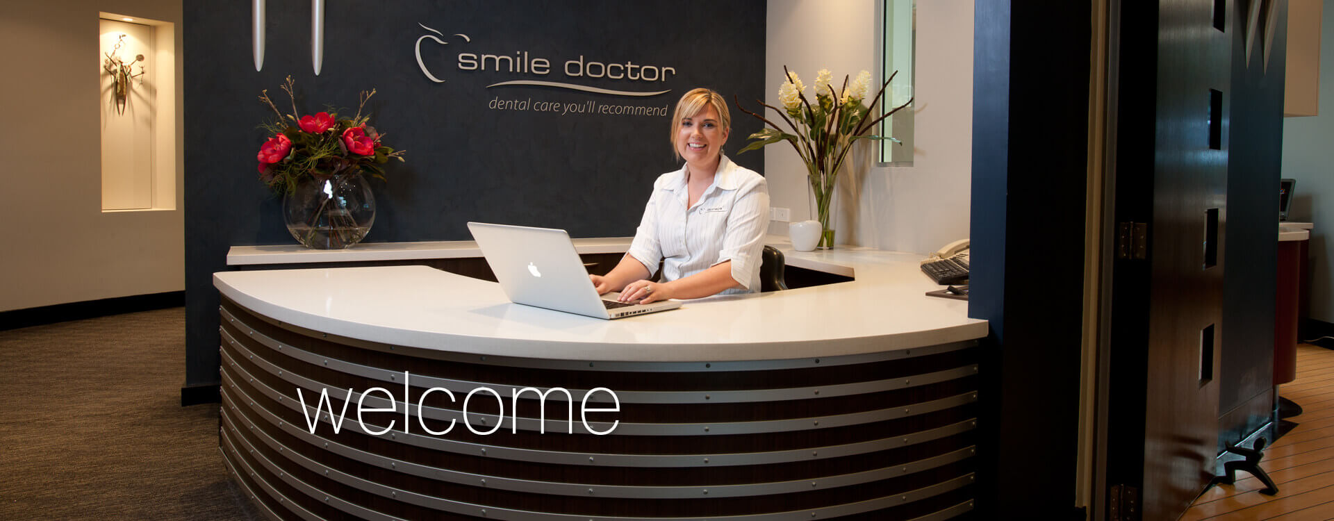 Smile-Doctor-Front-Desk-and-Reception-Image